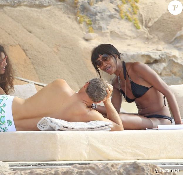 Naomi Campbell et Vladimir Doronin à Ibiza, le 9 juin 2012.
