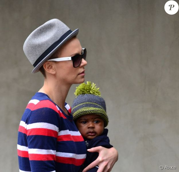 Charlize Theron et son fils Jackson après un rdv chez le pédiatre à Los Angeles, le 11 juin 2012.