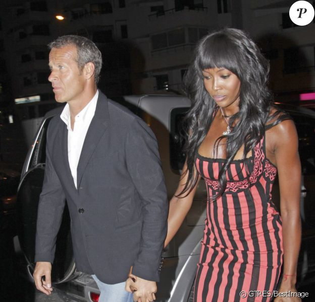 Naomi Campbell et son compagnon Vladislav Doronin arrivent à l'inauguration du restaurant Cipriani, à Ibiza, le 9 juin 2012