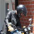 Orlando Bloom, un motard stylé sous le soleil de Los Angeles. Le 12 juin 2012.