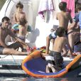 Raúl, sa femme Mamen Sanz et leurs enfants profitent de leurs vacances du côté de Formentera dans l'archipel des Baléares le 13 juin 2012