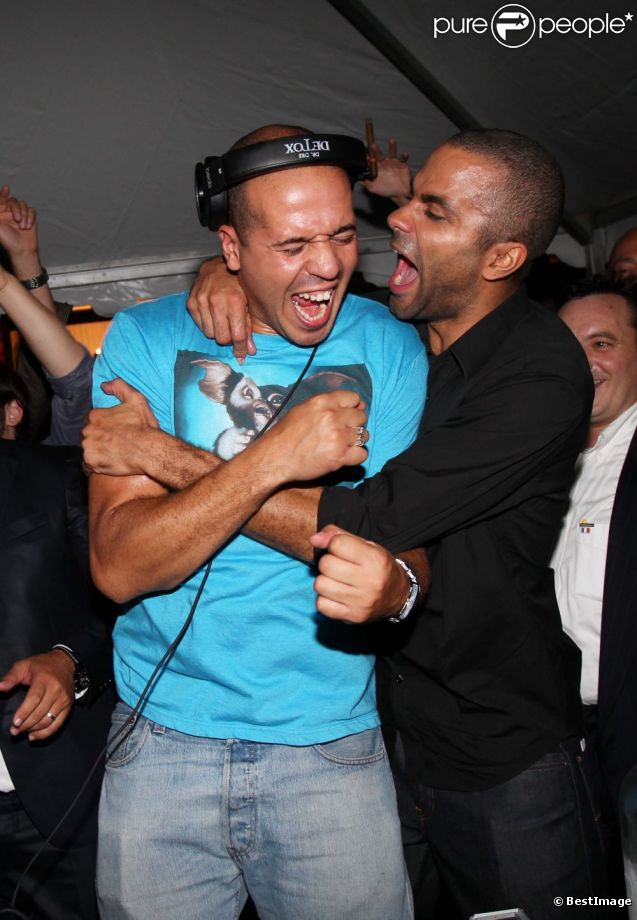 DJ Cut Killer et Tony Parker en septembre 2011 à Pau