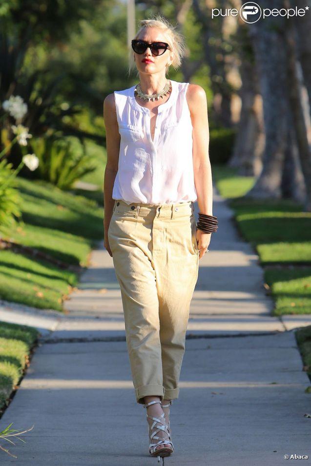 Gwen Stefani, ultra stylée comme toujours, célèbre la Fête des Pères en rendant visite à ses parents. Los Angeles, le 17 juin 2012.