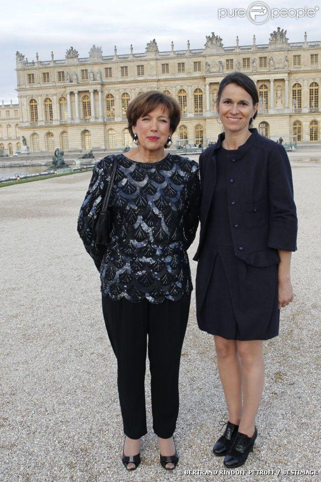 La ministre de la Culture Aurélie Filippetti et Roselyne Bachelot au vernissage de l'exposition Joana Vasconcelos au château de Versailles, le 18 juin 2012.