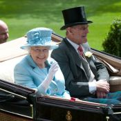 Elizabeth II : Souriante et colorée avec ses enfants sous le soleil d'Ascot