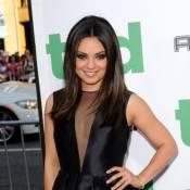 Mila Kunis en décolleté supersexy pour Mark Wahlberg et son ours obsédé