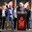 Gary Oldman, Morgan Freeman, Joseph Gordon-Levitt et Christian Bale lorsque Christopher Nolan laisse ses empreintes au Grauman's Chinese Theater à Hollywood à Los Angeles le samedi 7 juillet 2012