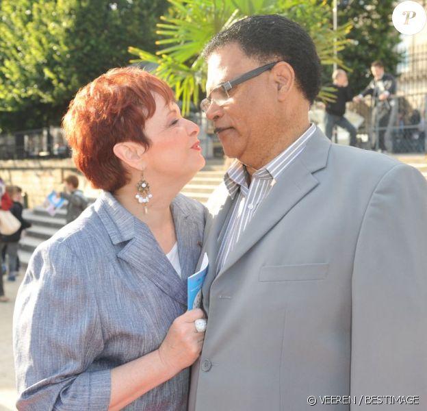 Fabienne Thibeault et son compagnon Christian à Paris, le 22 juin 2012.