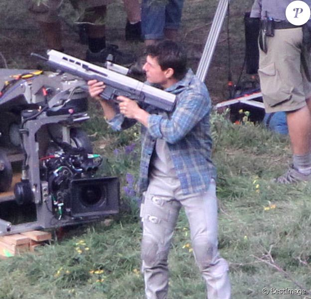 Tom Cruise sur le tournage du film Oblivion à Mammoth Lakes en Californie le 11 juillet 2012