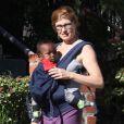 Connie Britton et son fils à Los Angeles, mars 2012.