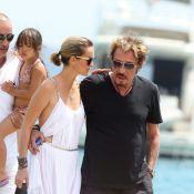 Johnny Hallyday en famille et entre amis : escapade au bord de l'eau