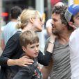Mark Ruffalo avec sa femme Sunrise Coigney et leur fils Keen sur le tournage de la comédie romantique  Can a Song Save Your Life ?  à New York, le 23 juillet 2012.