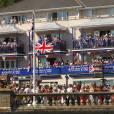 La reine Elizabeth II loin de la fièvre olympique, le 25 juillet 2012, en visite sur l'île de Wight.