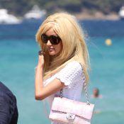 Zahia Dehar : L'ex-Scandaleuse dévoile sa célèbre plastique à Saint-Tropez