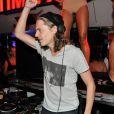Pierre Sarkozy dans son habit de DJ Mosey aux platines du VIP Room de Saint-Tropez
