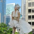 La statue de Marilyn Monroe à Chicago. Elle est tirée de la scène mémorable de  Sept ans de réflexion  (1955).