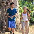 Jennifer Love Hewitt et Brian Hallisay font du sport du côté de Santa Monica le 7 août 2012
