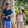 Jennifer Love Hewitt et Brian Hallisay font du sport du côté de Santa Monica le 7 août 2012. Nouveau couple à Hollywood ?