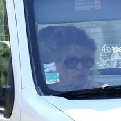 Brigitte Bardot : Exit le mythique Mini Moke, désormais elle roule en Kangoo !