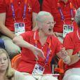La reine Margrethe aussi a tout donné ! Le prince Christian, 6 ans, et la princesse Isabella de Danemark, 5 ans, ont eu beau encourager les handballeurs danois, avec leurs parents la princesse Mary et le prince Frederik ainsi que leur grand-mère la reine Margrethe II, c'est au final la Suède qui s'est imposée (24-22) mercredi 8 août 2012 en quart de finale du tournoi des JO de Londres. Pour le plus grand bonheur du roi Carl XVI Gustaf de Suède et de la reine Silvia.