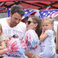 Ben Affleck, Jennifer Garner et leur fille Seraphina, le 4 juillet 2012 à Los Angeles