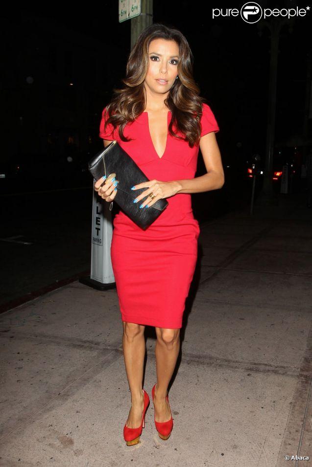 Quel accessoire pour une robe rouge