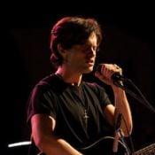 Penn Badgley : De Gossip Girl à l'icône du rock Jeff Buckley