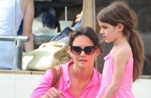 Suri Cruise fait du vélo avec sa mère Katie Holmes : C'est toute une histoire