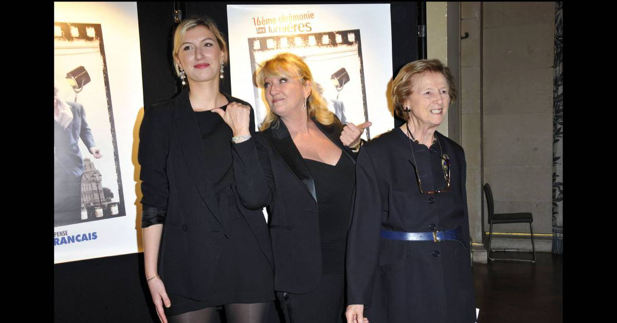 Charlotte de turckheim avec sa fille clara piaton et sa m re fran oise de turckheim paris - Charlotte de turckheim et ses filles ...