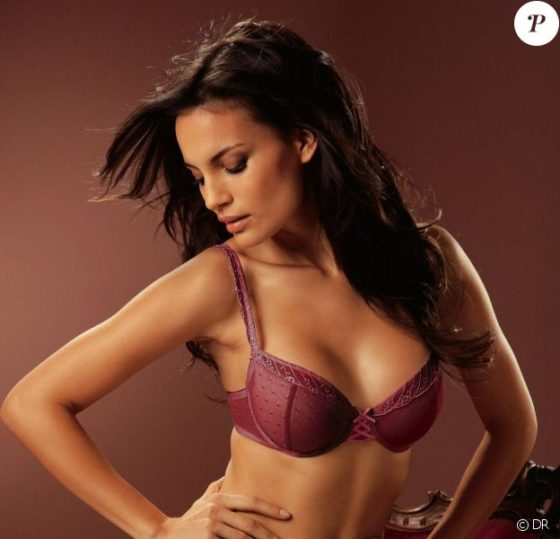 Shalana Santana sexy pour la lingerie Otto