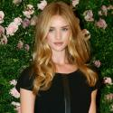 Rosie Huntington-Whiteley : Ravissante pour lancer sa collection de lingerie