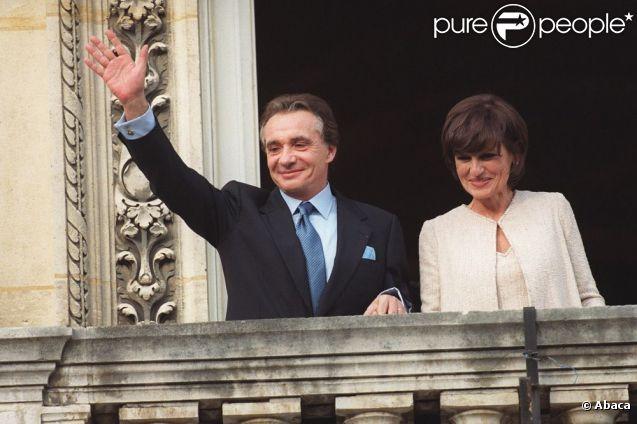 Mariage civil de Michel Sardou et Anne-Marie Périer à Neuilly, le 11 octobre 1999.