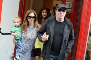 John Travolta et Kelly Preston, unis : loin des rumeurs, à Paris avec leur fils