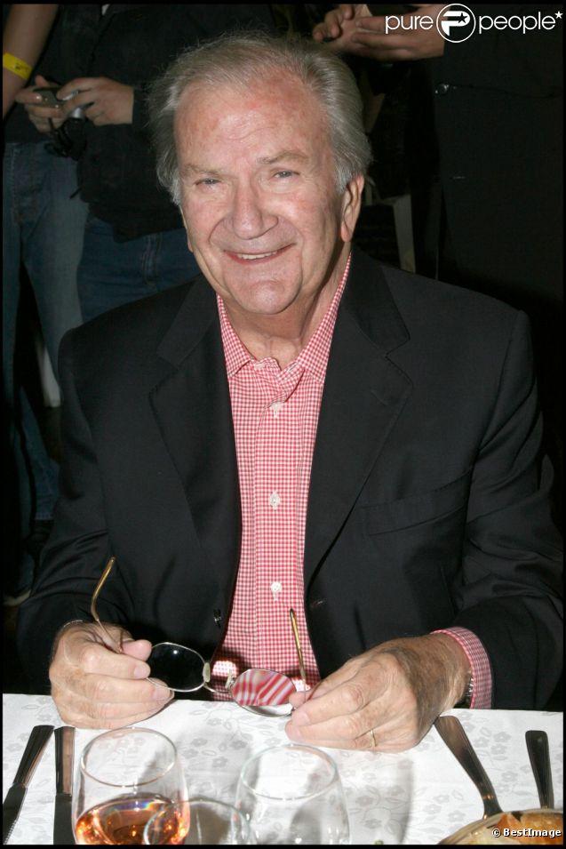 Pierre Mondy lors du 20e prix Jean Gabien-PErce Neige à Moulins-la-Marche le 24 juin 2007