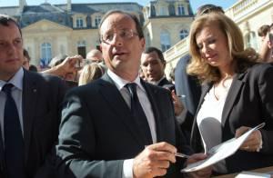 François Hollande et Valérie Trierweiler : Sourires et bain de foule à l'Elysée