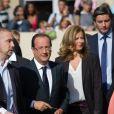 François Hollande et sa compagne Valérie Trierweiler ont reçus les visiteurs venus découvrir le palais de l'Elysée dans le cadre des Journées du patrimoine le 16 septembre 2012 à Paris