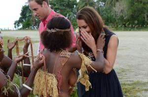 Kate Middleton : Des seins nus qui lui donnent le sourire !