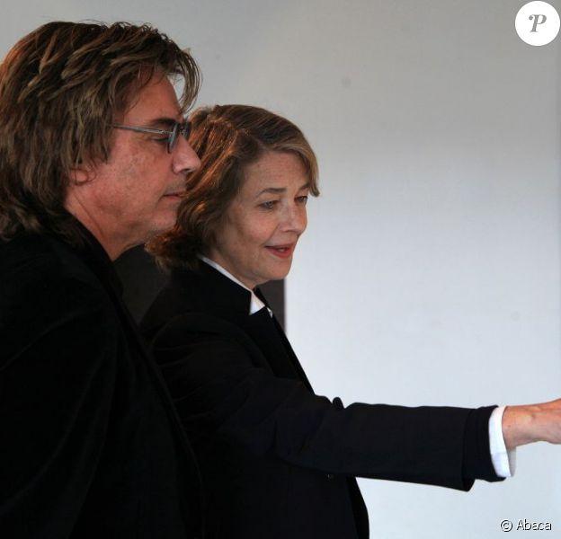 Charlotte Rampling et Jean-Michel Jarre : l'actrice et le musicien réunis pour le vernissage de l'exposition Charlotte Rampling, albums secrets à la Maison de la photographie de Lille, le 20 septembre 2012.