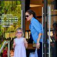 Jennifer Garner et sa fille Violet se baladent à Brentwood, le 23 septembre 2012