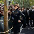Lady Gaga à Paris lors de son arrivée au Sephora des Champs Elysées dans un look futuriste le 23 septembre 2012