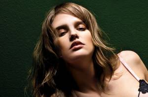 Alina Ilie : La beauté des Carpates se fait sensuelle en lingerie