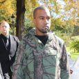 Kanye West arrive au défilé Céline printemps-été 2013 à Paris. Le 30 septembre 2012.