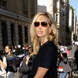 Alexandra Golovanoff arrive au défilé Céline printemps-été 2013. Paris, le 30 septembre 2012.
