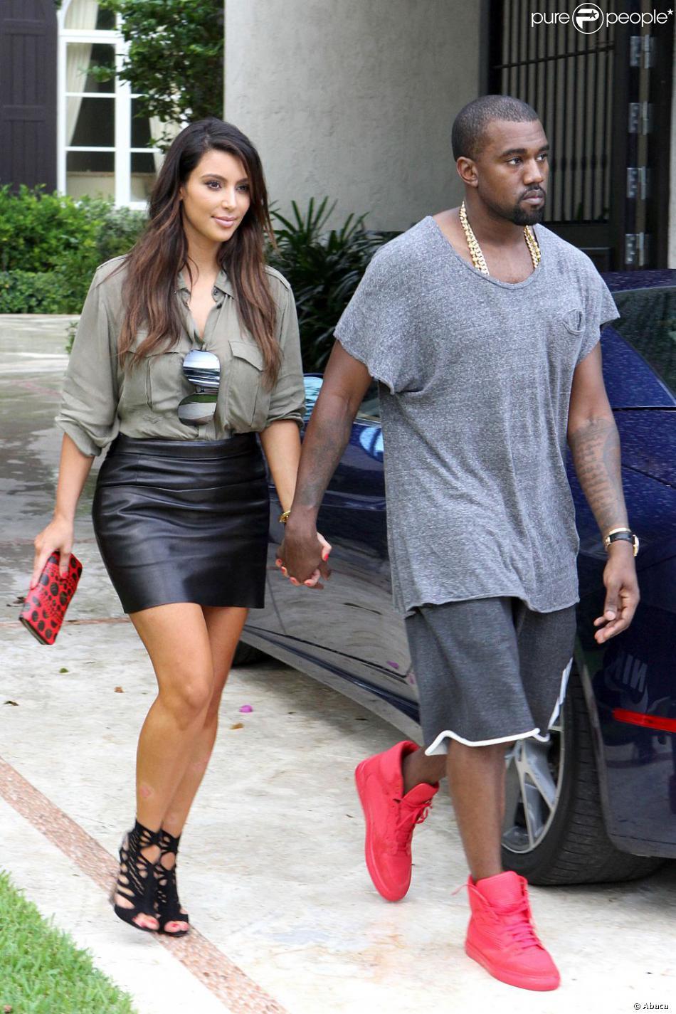 kim kardashian et kanye west se baladent dans les rues de miami en octobre 2012. Black Bedroom Furniture Sets. Home Design Ideas