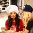 LaToya Jackson, photographiée ce mercredi 17 octobre servant dans un fast-food se prêtant au jeu de l'émission de télévision Celebrity Apprentice.
