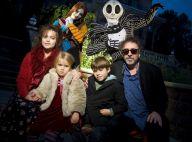 Tim Burton avec Helena Bonham Carter, leurs enfants et des monstres !
