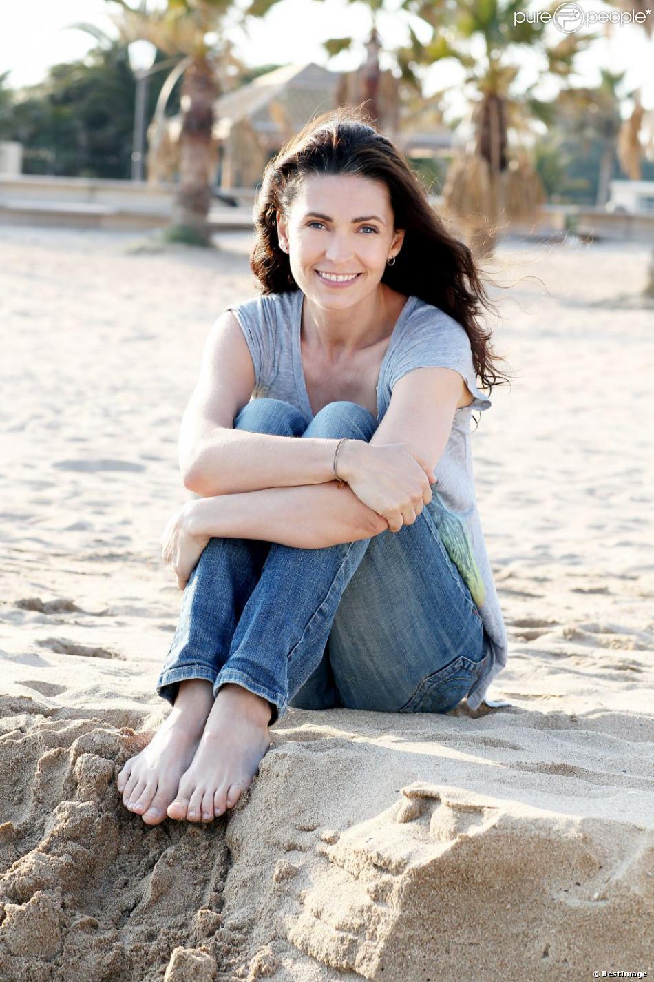 Exclu : Adeline Blondieau à la plage avec Wilona, née en 2011.