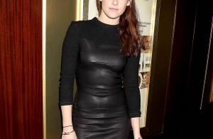 Kristen Stewart sexy en cuir 'Sur la route' avant le grand show pour Twilight