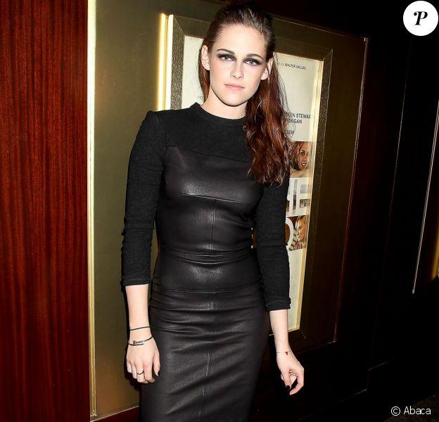 Kristen Stewart dans une robe A.L.C. lors de la projection spéciale du film Sur la route à New York le 8 novembre 2012