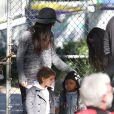 Sandra Bullock et son fils Louis, Camila Alves enceinte et ses enfants Levi et Vida, ont profité d'une journée au parc d'attractions  Storyland  de la Nouvelle-Orléans, le 14 novembre 2012.